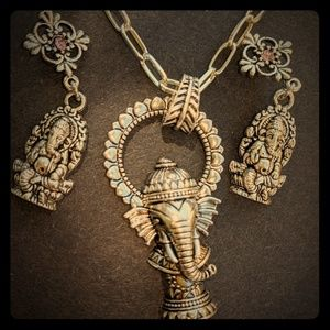 Matching Ganesha Hindu necklace earring set